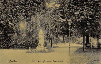 Ansichtkaart Gouda Park met Houtman - Monument HC32
