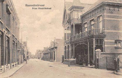 Ansichtkaart Raamsdonksveer Prins Hendrikstraat Hotel HC33