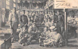 Ansichtkaart Gouda Kazerne leven Soldaten Militair Uitg. B. Gompers 1906 HC46
