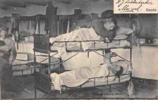 Ansichtkaart Gouda Soldaten in de Kazerne bij de Varkenmarkt Uitg. B. Gompers Gouda 1906 Militair HC48