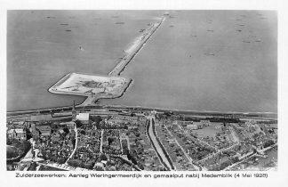 Ansichtkaart Medemblik Zuiderzeewerken Aanleg Wieringermeer dijk en gemaalput 1928 KLM D 110 28 HC1195