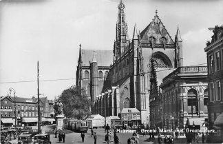 Ansichtkaart Haarlem Tram Auto Groote Markt met Groote Kerk 1946 HC1281