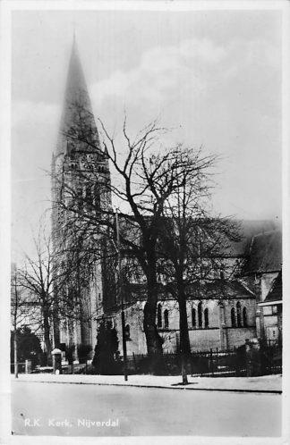 Ansichtkaart Nijverdal R.K. Kerk 1951 HC1414