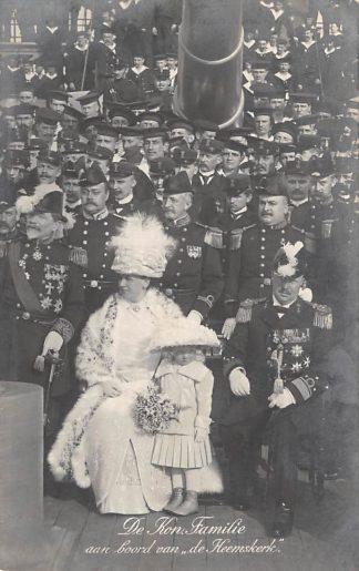 Ansichtkaart Den Helder 1912 De Koninklijke Familie aan boord van de Heemskerk Marine Militair HC1423