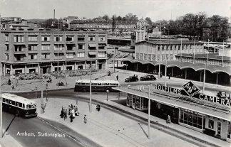 Ansichtkaart Arnhem Bus Station Auto Spoorwegen HC1456