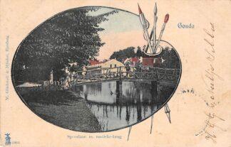 Ansichtkaart Gouda Spoorlaan met rustieke brug naast Station 1905 HC183
