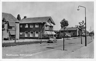 Ansichtkaart Waddinxveen Stationsstraat Auto 1954 HC218