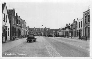 Ansichtkaart Wissekerke Voorstraat met auto 1948 Zeeland HC287