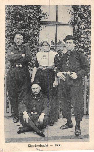 Ansichtkaart Urk Klederdracht Vissers 1924 HC364