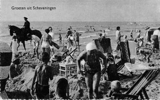 Ansichtkaart Scheveningen Groeten uit  Strand Politie agent te Paard Badgasten HC380