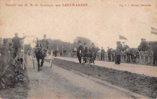 Ansichtkaart Leeuwarden Bezoek H.M. de Koningin Paard en wagen Koetsen HC408