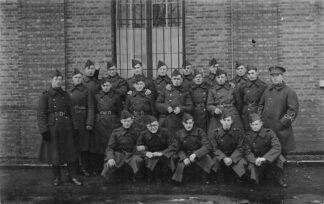 Ansichtkaart België Deurne Fotokaart militair soldaten Europa HC433