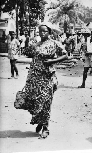 Ansichtkaart Congo Belge Type de Femme Indigene Inlandse vrouw Afrika Africa Wereld HC458
