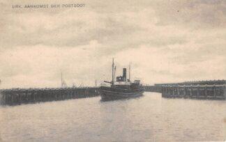 Ansichtkaart Urk Aankomst der Postboot Scheepvaart Schepen HC523