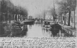 Ansichtkaart Gouda Gouwe met sluis Amsterdams Verlaat voor 1900 Binnenvaart schepen HC560