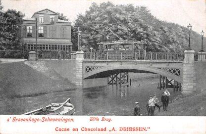Ansichtkaart 's-Gravenhage Scheveningen Witte Brug HTM tram Reclame Cacao en Chocolaad A. Driessen HC586