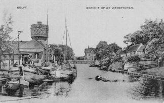 Ansichtkaart Delft Gezicht op de Watertoren Binnenvaart schepen HC601