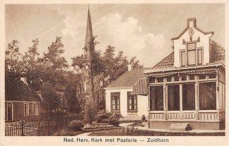 Ansichtkaart Zuidhorn Ned. Hervormde Kerk met Pastorie HC628