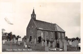Ansichtkaart Opende Ned. Hervormde Kerk met begraafplaats Grootegast 1956 HC653
