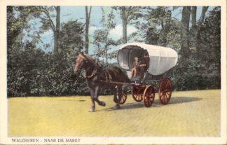Ansichtkaart Walcheren Naar de Markt Huifkar met paard Middelburg HC68