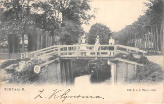Ansichtkaart Ternaard boven Dokkum Meisjes op de brug HC70