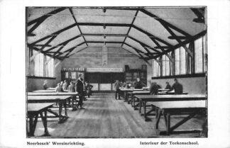 Ansichtkaart Nijmegen Neerbosch' Weesinrichting Interieur der Teeken school HC710