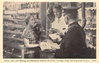 Ansichtkaart Film Filmster Het meisje met de blauwe hoed Tony v.d. Berg en Roland Varno HC755