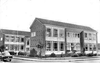 Ansichtkaart Bodegraven Groen van Prinsterer school 1968 HC813