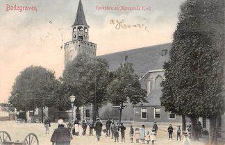 Ansichtkaart Bodegraven Kerkplein en Hervormde Kerk voor 1906 met volk HC854