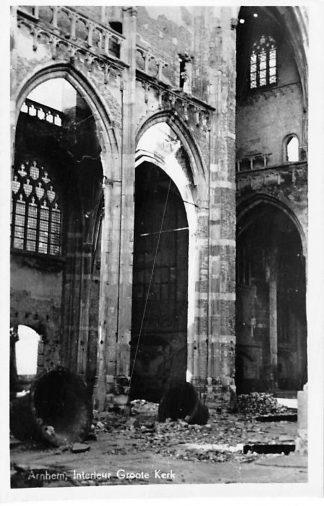 Ansichtkaart Arnhem Interieur Groote Kerk na bombardement WO2 HC940