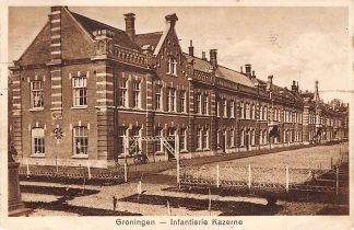 Ansichtkaart Groningen Infanterie Kazerne 1928 Militair HC971