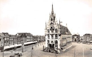 Ansichtkaart Gouda Stadhuis en Markt 1957 HC1564