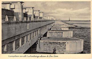 Ansichtkaart Den Oever 3 complexen van elk 5 uitwateringssluizen Afsluitdijk IJsselmeer HC1568