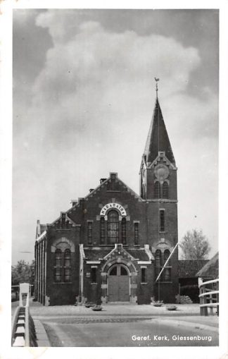 Ansichtkaart Giessenburg Gereformeerde Kerk 1965 HC1604