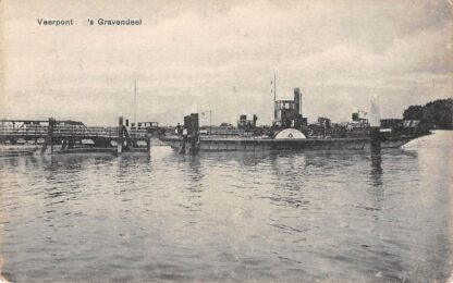 Ansichtkaart 's-Gravendeel Veerpont naar Dordrecht Binnenvaart schepen HC1623