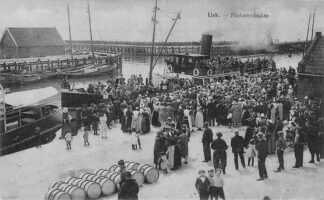 Ansichtkaart Urk Pinksterdrukte 1929 Aankomst Stoomschip Volk Scheepvaart Schepen HC1696
