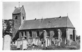Ansichtkaart Kollumerzwaag 1957 Kerk met begraafplaats HC1757
