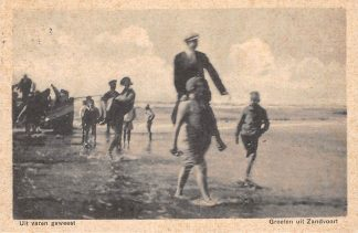 Ansichtkaart Zandvoort Groeten uit 1935 Uit varen geweest Strand en zee HC1832