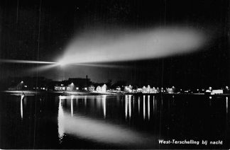 Ansichtkaart Terschelling 1961 West-Terschelling bij nacht Vuurtoren HC1953