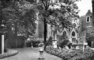 Ansichtkaart Gouda Museumtuin Sted. Museum Het Catharina Gasthuis 1961 HC2077