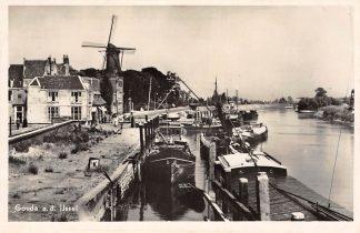 Ansichtkaart Gouda a.d. IJssel Molen Tolhuis Binnenvaart schepen HC2080
