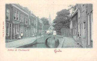 Ansichtkaart Gouda Achter de Vischmarkt met Vischbrug en Stadhuis HC2086