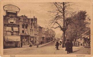 Ansichtkaart Gouda Spoorstraat met rechts Joodse begraafplaats HC2089