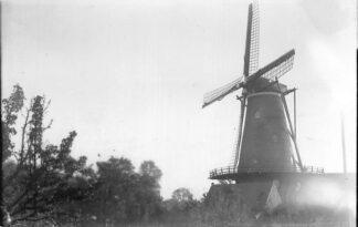 Ansichtkaart Breskens Molen (in 1940 verwoest) Foto van eerdere opname HC2207