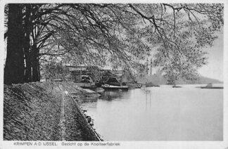 Ansichtkaart Krimpen aan den IJssel Gezicht op de Koolteerfabriek HC2264
