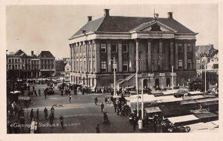Ansichtkaart Groningen Stadhuis Markt dag met kramen 1949 HC2442