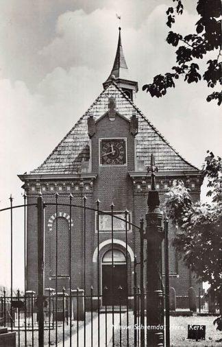 Ansichtkaart Nieuw Scheemda Hervormde Kerk met begraafplaats HC2478