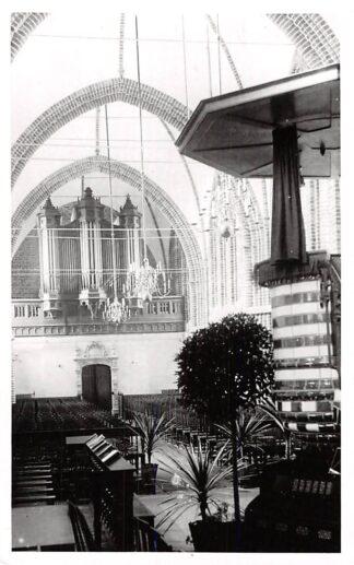 Ansichtkaart Winschoten Leonar fotokaart Ned. Hervormde Kerk Orgel en preekstoel HC2481
