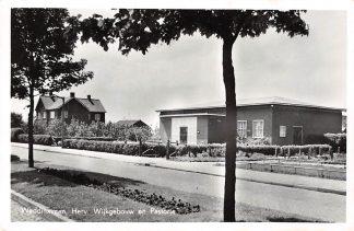 Ansichtkaart Waddinxveen Hervormd Wijkgebouw en Pastorie 1957 HC2585