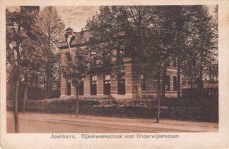 Ansichtkaart Apeldoorn Rijkskweekschool voor Onderwijzeressen School HC2586